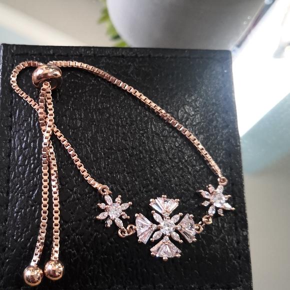 Jewelry - Cubic zirconia bracelet